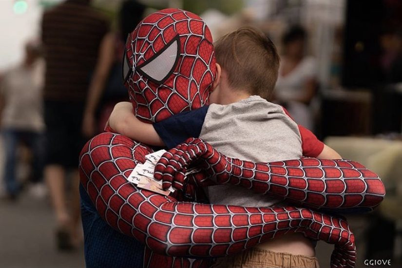 Spiderman saying goodbye