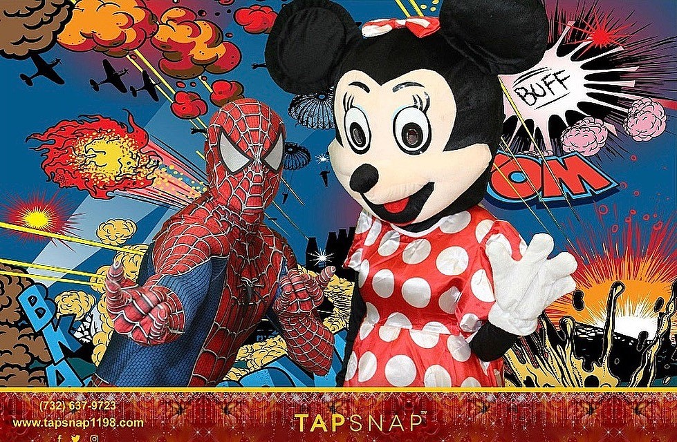 Spider and minnie Mouse in action