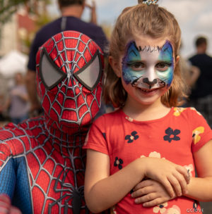 spider man does face paining too