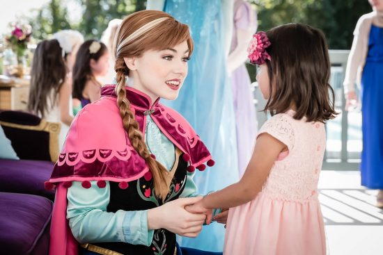 Princes Anna visits little girls birthday party