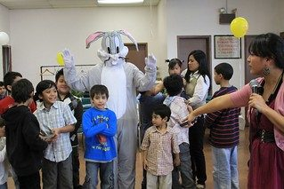 bugs bunny at kids birthday party