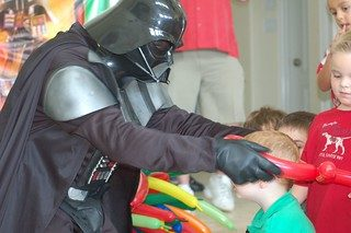 Darth Vadrer at kis birthday party
