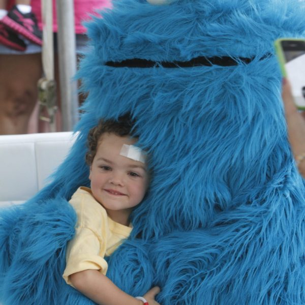 Cookie Monster at kids birthday party