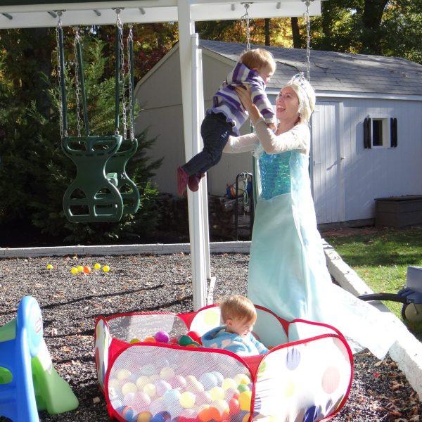 Frozen Princess Visits birthday party