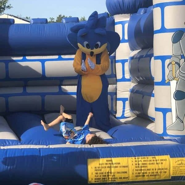 ed_sonic_bouncy_house